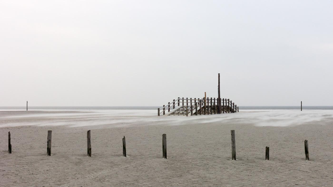 Bridge to Nowhere - Spiegel_BlogMaterial